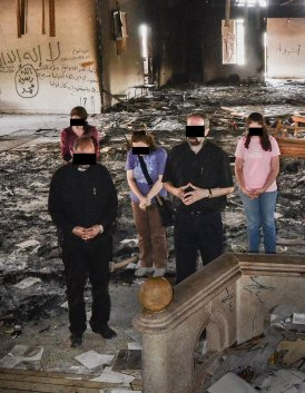 assyrian-christians-returned-to-their-church-after-it-was-destroyed-by-islamic-extremists